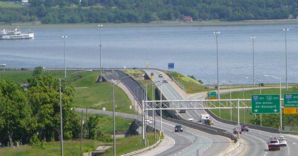 [PHOTOS] Un corps retrouvé dans le fleuve Saint-Laurent à Québec
